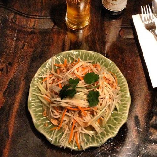 Som Tam (papaya salad) My favourite thaï appetizer :)
