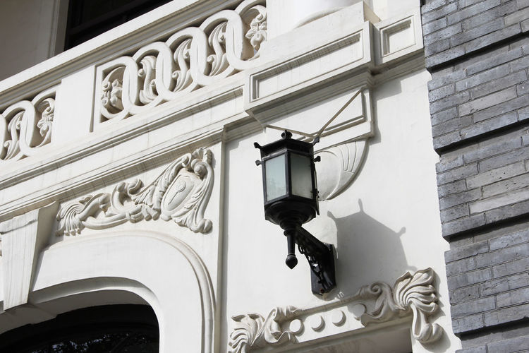 White Walled Buildings Old Building Exterior Old Building  Architecture Latern The Past History Building Lighting Equipment Day No People Built Structure Building Exterior Historical Building Historical Classical Style