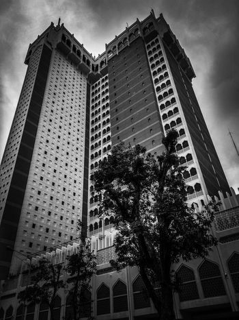 standing tall still Peace City Modern Skyscraper Sky Architecture Building Exterior Built Structure EyeEmNewHere