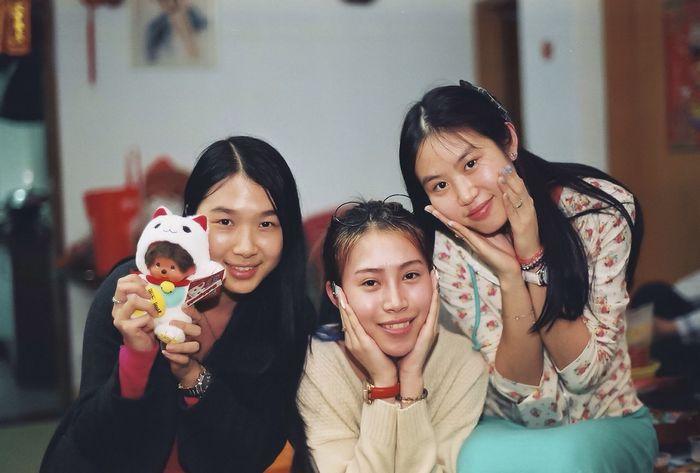 RePicture Friendship Girls Enjoying Life 135film Pentax Pentax MZ-7
