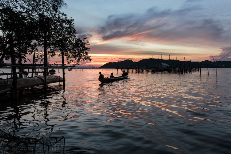 ASIA Nature Silhouette Twilight Beauty In Nature Cloud - Sky Day Fisherman Landscape Lifestyles Nature Nautical Vessel One Person Outdoors People Real People Reflection Scenics Sea Silhouette Sky Songkhla Songkhla Lake Sunrise Sunset Tranquility Transportation Tree Water