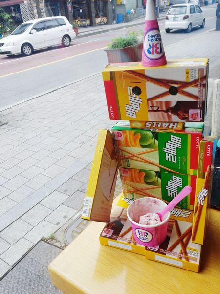 배스킨라빈스31 귀염둥이 로보트 생일선물 냠냠 Ice Cream Robot Cute Idea Taking Photos