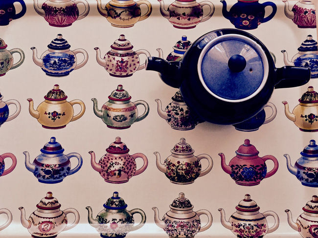 Arrangement Black Teapot Choice Close-up Day Design Details Textures And Shapes Full Frame Indoors  Large Group Of Objects More Of The Same No People Pause Relaxing Moments Repetitive Pattern Still Life Photography Still Life Photograpy Stilleben Tea Tea Time Teapot Tranquility Tray Variation Presentation Background