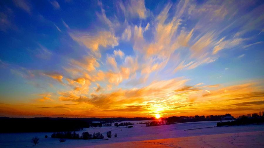 sundowner Sundown Water Snow Cold Temperature Beauty Frozen Water Winter Blue Lake Horizon Romantic Sky View Into Land Atmospheric Mood Cloudscape