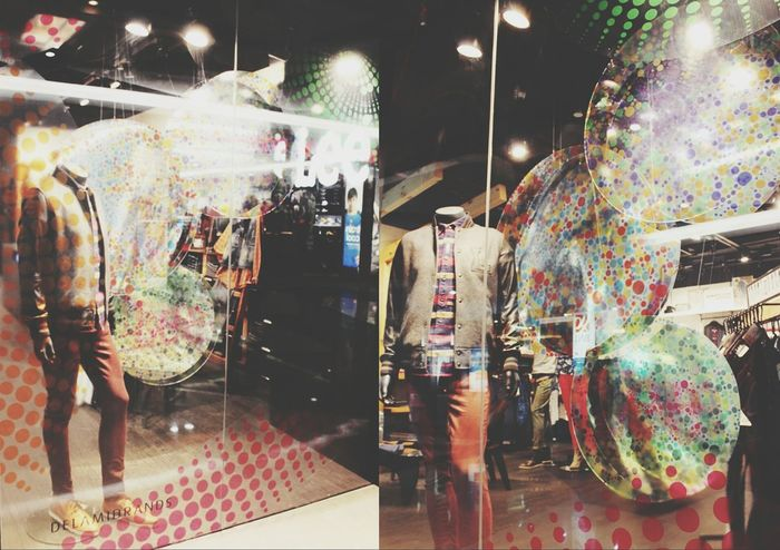 new york x'mas . Hello World StayCurious Visual Merchandising LeeJeansId