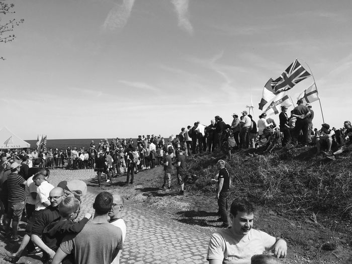 Crowd Large Group Of People Group Of People Real People Sky Men Nature Day Women Lifestyles Land Hellofthenorth Outdoors Leisure Activity Adult Event Sitting Cloud - Sky Monument Classic Parisroubaix Cycling Cyclingrace Paris Roubaix Cobblestone