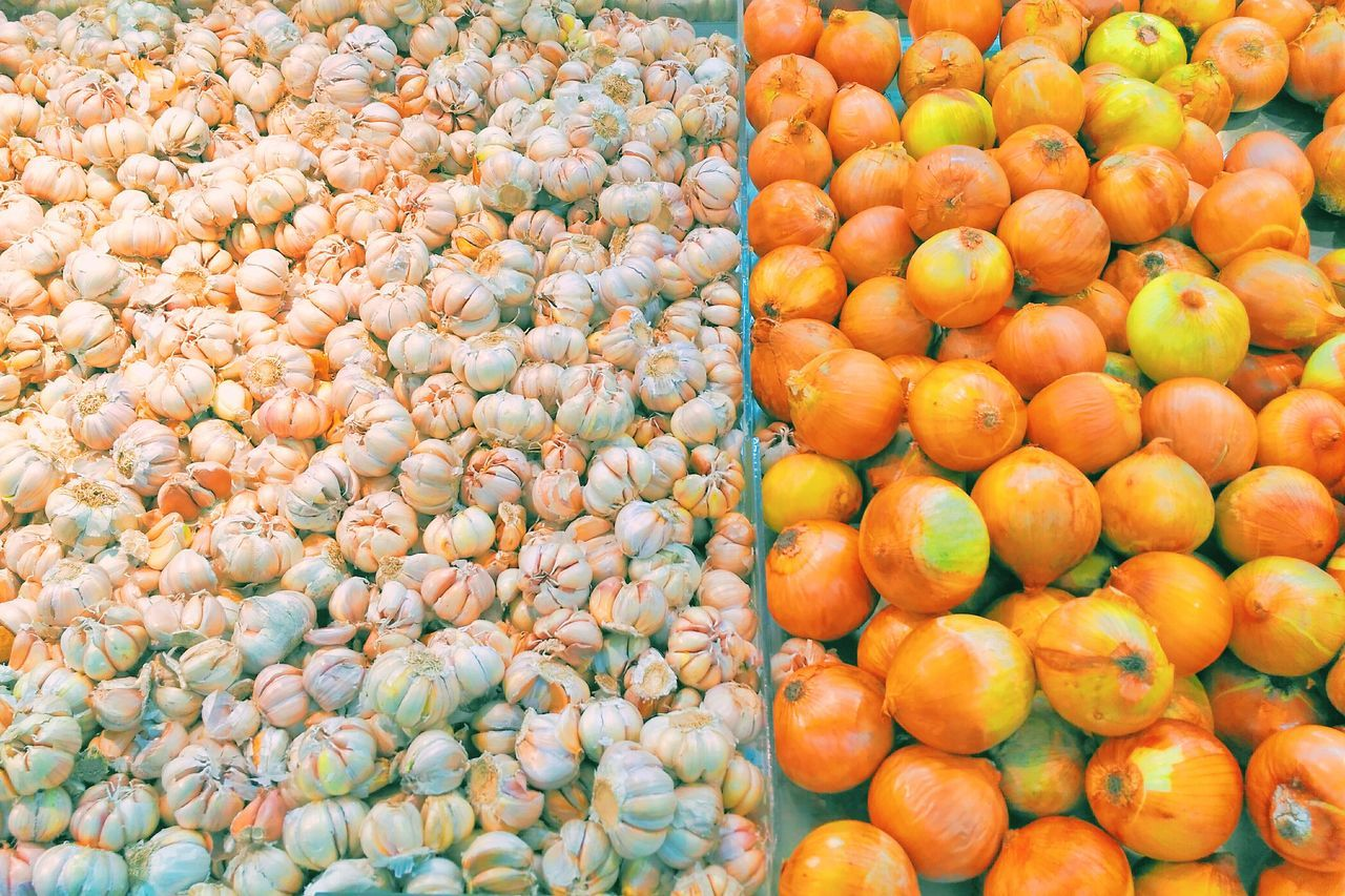 fruit, market, food and drink, orange color, abundance, freshness, food, large group of objects, healthy eating, market stall, for sale, outdoors, no people, choice, retail, day, close-up, supermarket