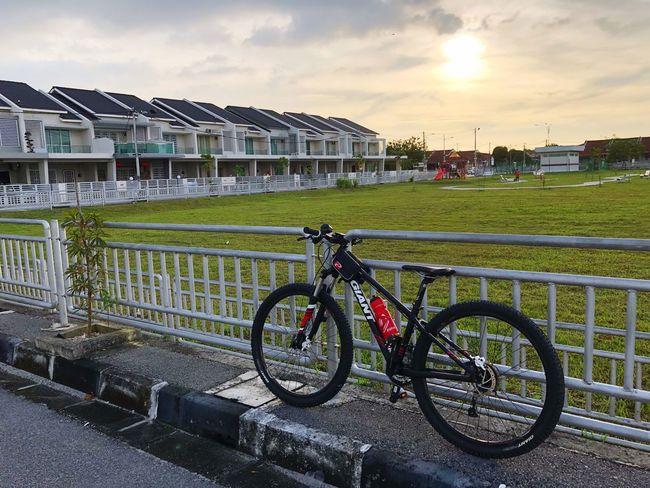 Bicycle Built Structure Architecture Sky Building Exterior Land Vehicle Transportation