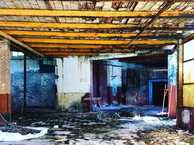 Built Structure Architecture Building Day Abandoned No People House Damaged Old Bad Condition Entrance Deterioration