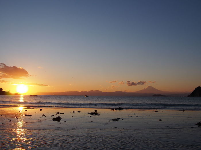 Winter sunset at Zushi beach. Sunset Sky Beauty In Nature Scenics Landscape Beach 逗子海岸 Zushi Zushi Beach Nature Reflection 逗子 Tranquility Dramatic Sky Beauty In Nature Magic Hour 夕陽 サンセット マジックアワー