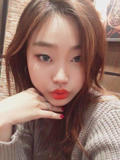 Zzz... 👄 Selfie ✌ South Korea Cafe