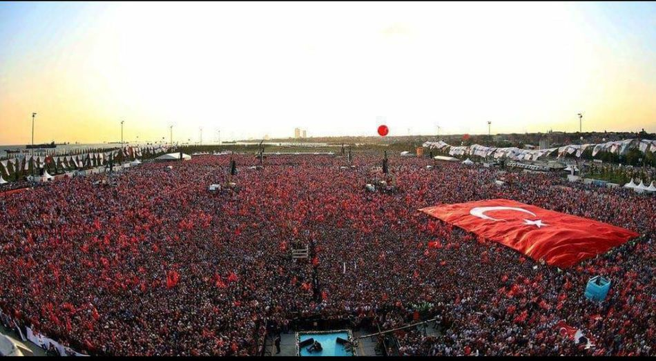 Ne Mutlu Türk'üm Diyene ! Democracy Forever Miting Togetherness Together Forever Yurttasulhdünyadasulh( I didn't take this photo but I love it so much ❤)