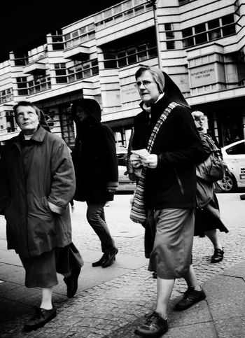 Oh Lord, show me the way through this crazy city...! Streetphotography BW Collection Streetphoto_bw Candid My Fuckin Berlin 8ung Berlin The Street Photographer - 2015 EyeEm Awards Snapshots Of Life Shades Of Grey The Moment - 2015 EyeEm Awards B&w Street Photography