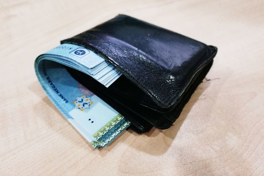 wallet full with ringgits malaysian money Ringgit Ringgit Malaysia Malaysia Money Money Around The World Wallet And Money Malaysian Ringgit Wallet Paper Currency No People Currency Close-up Indoors  Wealth Business Finance And Industry Portable Information Device Wireless Technology Stock Market And Exchange