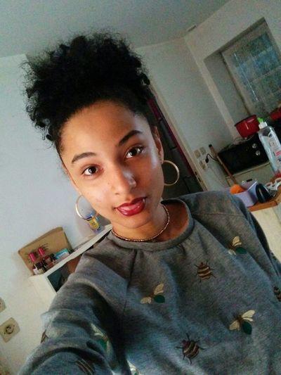 Taking Photos Hello World That's Me Mixed Girl Afrohair Me Metissage Enjoying Life