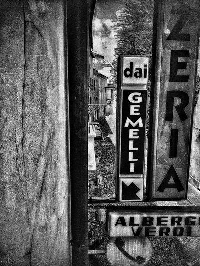 Padova, Aprile 2019 Blackandwhite City Hotel Pizzeria Building Exterior Built Structure Signs Communication Text Close-up
