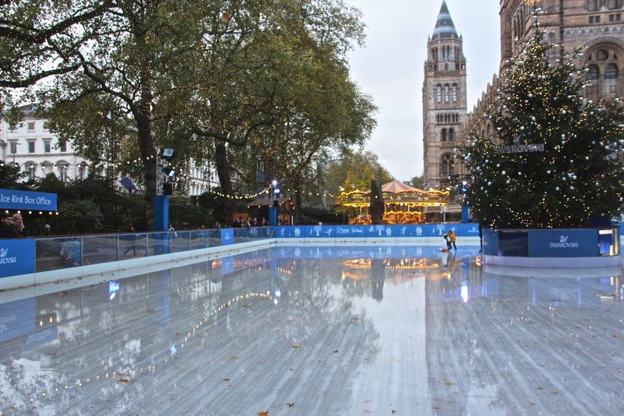 City Life FUN CITY Ice Skating Ice Skating Rink Kids Ice Skating London London Christmas 2015 Rich City Skating Rink Swarovski