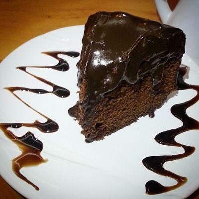 Pedaço de Bolodechocolate , mega generoso e Delicioso , que comi na VillaAffogato InstaDelicia instaphoto instafood