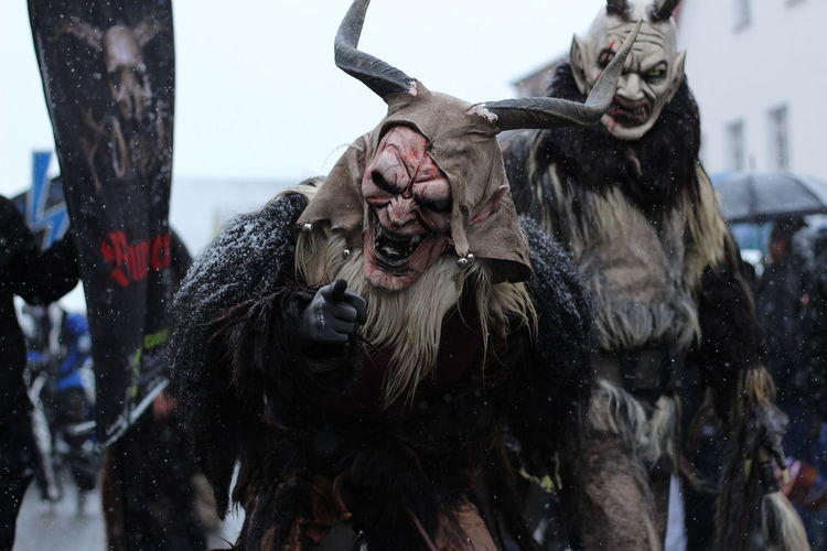 Tradition Karneval Tradition Karneval Geister Teufel Kostüm Verkleidung Maske  City Beard Fun Portrait