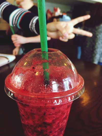 EyeEmNewHere Red Freshness Drinking Straw Healthy Eating Day Berry Smoothie