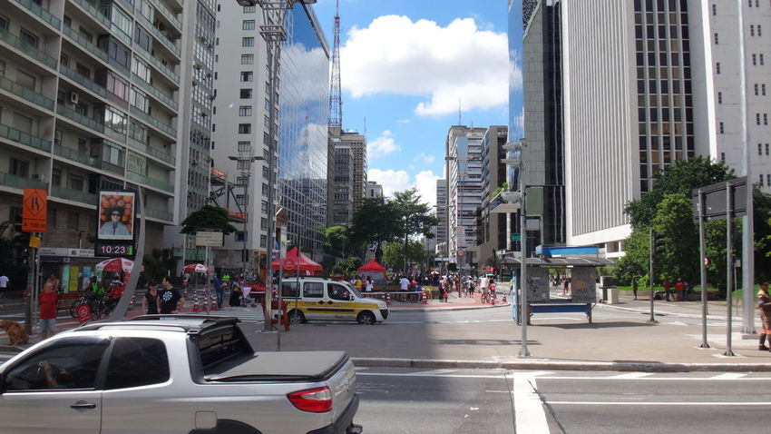PAULISTA AVENUE SAO PAULO BRAZIL SUMMER SUNDAY Architecture Building Building Exterior Built Structure Car City City Life City Street Development EyeEm Team Land Vehicle Mode Of Transport Modern Outdoors Perspective Residential District Road Street Summer Traffic Transportation Urban