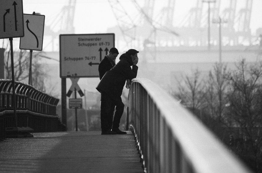 Street Photography Streetphoto_bw Streetphotography Streetphotography_bw Black & White Hamburg Relaxing Good Morning