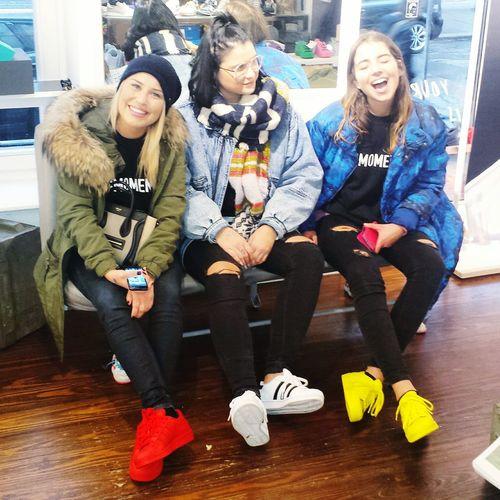 The girls are back in town... Street Fashion Girls Sneakers Shopping Girlgroup Friends Friendship Hamburg Hamburgcity St. Pauli