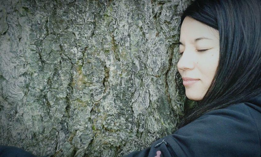 Dicen que al abrazar un arbol, te llenas de energia ! Mi Arbol Favorito Peace ✌ Relaxing Naturelovers Smile Love ♥ Perfekt Day Free Beautiful ♥