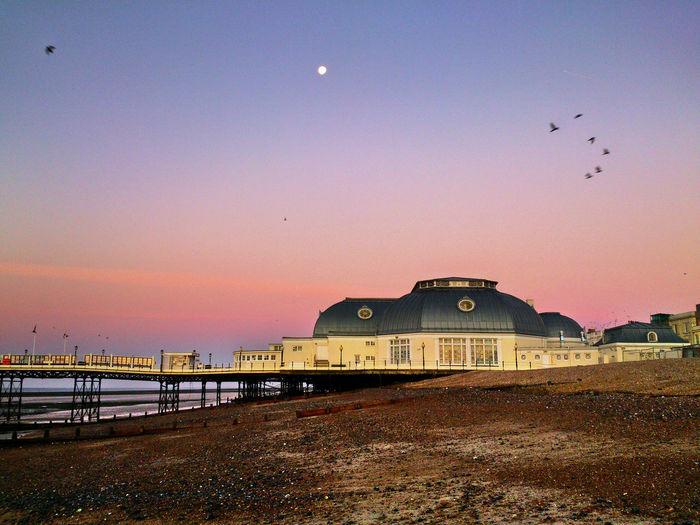 Beach Birds In Flight Full Moon Morgenstimmung Morning Light Morning Sky, No People Outdoors Pier Pier Worthing Sky Strand Tranquil Scene