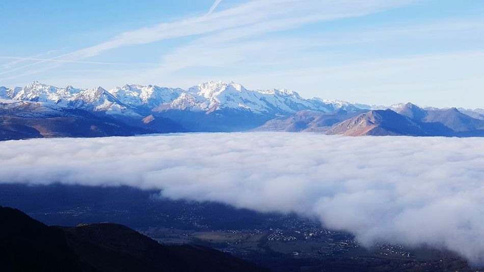 Two Worlds Mountain Snow Mountain Peak Beauty In Nature Cloud - Sky Outdoors Salomon TimeToRun Pyrenees Skyrunning France Summit View Wildlife Snow ❄ Have A Nice Day! Thiswhywerun