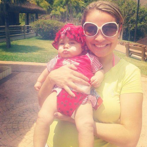 Dia de sol com Papai Mamãe @marcelacunha_ Titia @mariliabcunha e Vovo Delma...