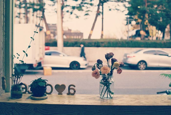 Simple life. Still Life Happylife Cafe Cafe Time Bythewindow Lookingout Relaxing Moments Relaxation Relaxing Calming
