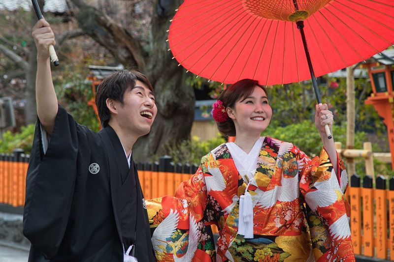 Marriage in Kyoto Girl Japan Streetphotography Family Happiness Bride Marriage  Kyoto Adult Men Traditional Clothing Umbrella Togetherness Two People Women People Smiling Kimono Couple - Relationship Real People Positive Emotion Young Adult Lifestyles