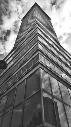 Torre Latinoamericana City Modern Skyscraper Pyramid Sky Architecture Building Exterior Built Structure Cloud - Sky Office Building Skyline Tower Urban Skyline Cityscape Geometry
