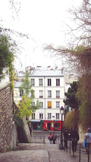 Neighborhood Map Travelling Travel Destinations Travel Photography France🇫🇷 Paris Paris Je T Aime City Of Love♡ City Of Romance Houses Residential Building Outdoors People Tree Stairs Calmness Morning Sky