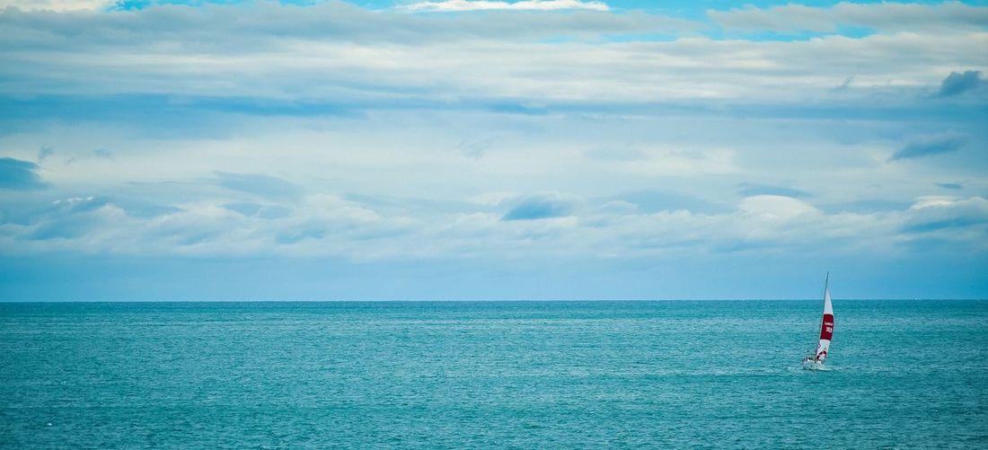 孤帆远航 海景 海上 大海 远航 帆船