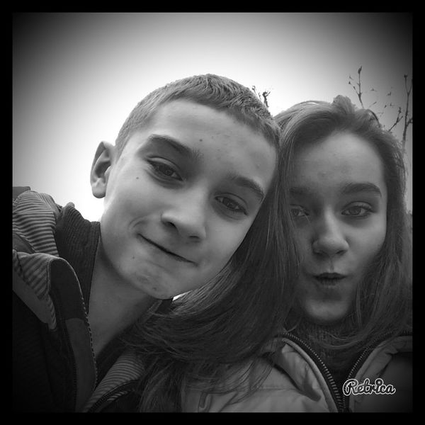 Hahhahahha my brother and me !!! 🌹🌹🌹🌹🌹🌹