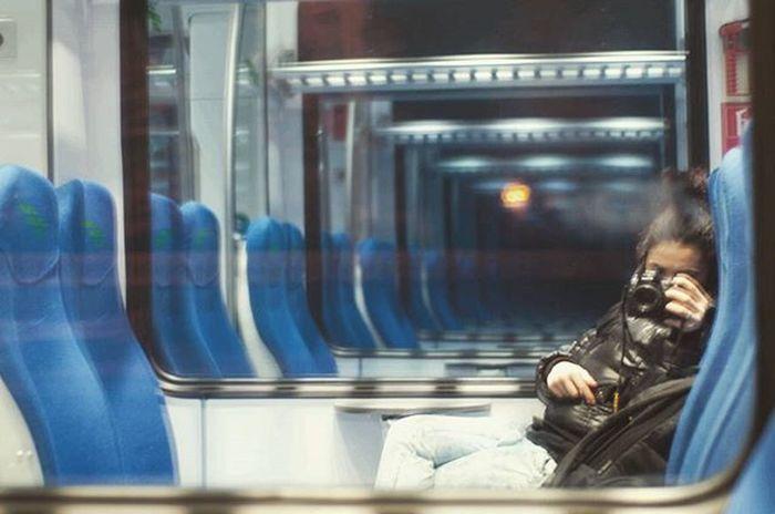 Riflesso Mirror Viaggio Inviaggio Sempreinviaggio Trip Treno Train Loop Piccola Nikon 50mm Experience Matrix Soymix Buonviaggio Buonviaggioame BonVoyage