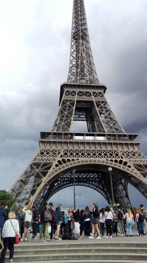 Tourism Paris ❤ Tour Eiffel