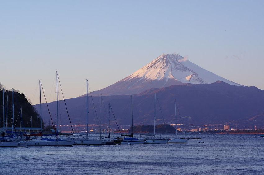 夕方の富士山 Mount FuJi 富士山 Snow Landscape No People Sea Outdoors Winter Blue Nature Mountain Sky