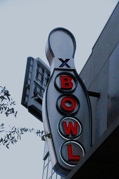 Cityscape Bowling Boliche