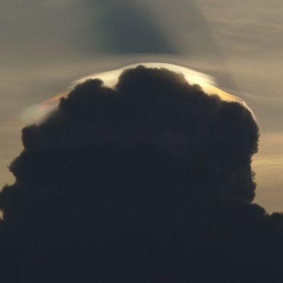 Nubes embarradas de colores... Illusions Sky Scapegoat Thinkingabout