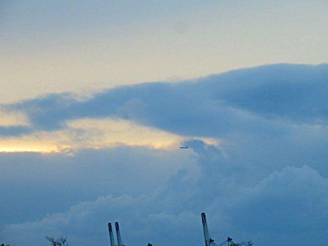Sky Sky And Clouds Sky_collection Sky_collection Skylovers Skyscraper Clouds And Sky Clouds Cloud Cloudy Cloud_collection  Airplane Sky_ Collection Evening Evening Sky Eveningwalk like a wave
