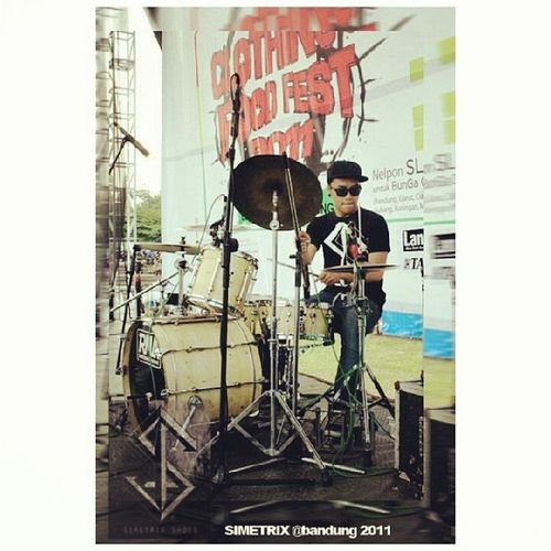Show @NOTHINGFACEpunk Bandcloth Simetrix Endore thx