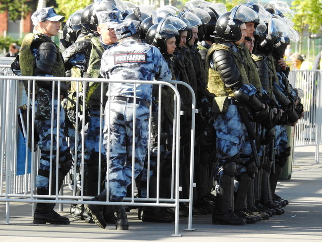 Росгвардия Russian Police Rosgvardia Summer ☀ Sunny Sunnyday☀️ Summer Sankt-peterburg Sankt-Petersburg Colors Of Sankt-Peterburg Russia Fifa2018 Welcome Safe Football Stadium Streetphotography World Cup 2018 Police Fans Game Police Uniform Military Uniform Army Soldier Police Force Officer Armed Forces Special Forces The Photojournalist - 2018 EyeEm Awards The Street Photographer - 2018 EyeEm Awards
