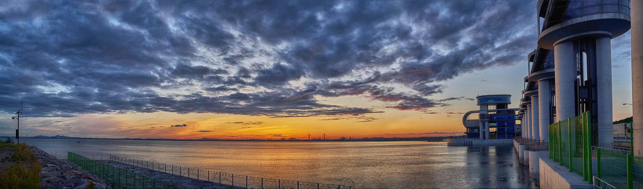 Korea West Sea Westsea Bridge Colorful Sky Oil Pump Beach Dramatic Sky Horizon Over Water
