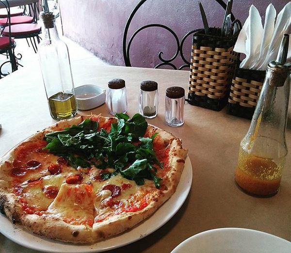 ởbênkiacầuVĩnhTuy ănngonlànghệthuật Brickyardpizza Halfandhalfpizza Deliciousaf Keodínhapollo