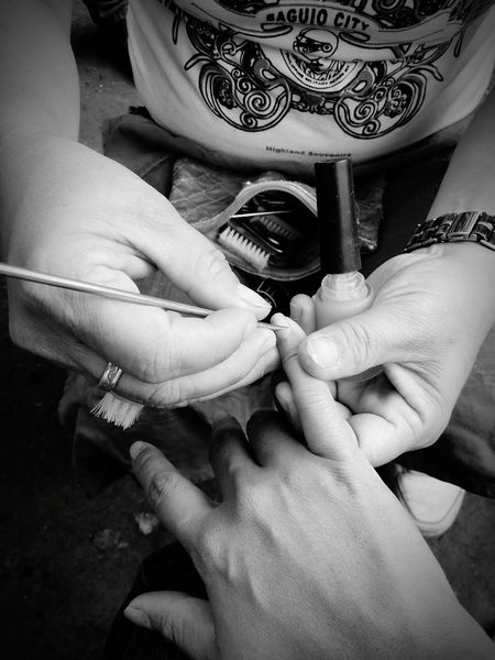 Blackandwhite Blackandwhite Photography Working Hands Manicure! Getting Nails Done Getting Nails Done Streetphoto_bw Streetphotography If you go to Solibao in Burnham Park, there's a group of manang manicurists who make a living. I talked to so of them and Manang Marife told me that now that both if her kids are grown up, she spends her time making a living rather than spenging idle at home.. Women Empowerment Real Life