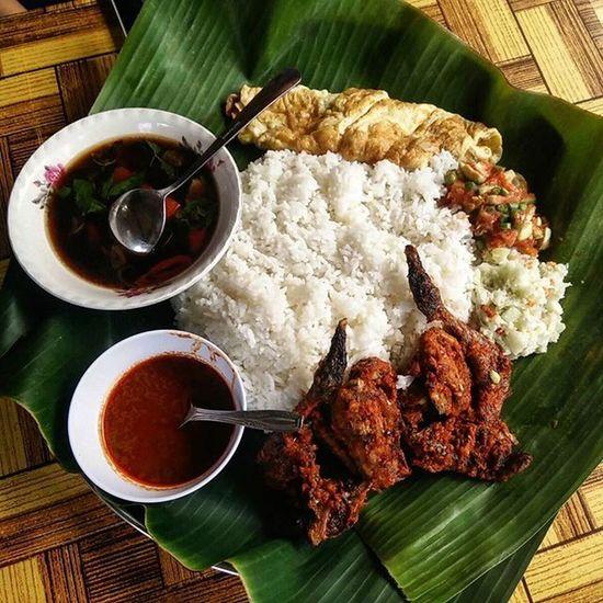 Jalan Jalan Cari Ayam Taliwang JJCM Ayamtaliwang Foodporn Lombok INDONESIA Island Explorelombok Travelling Travelog Travelgram Travel Travelfreak Vacation Holiday Epicexploring