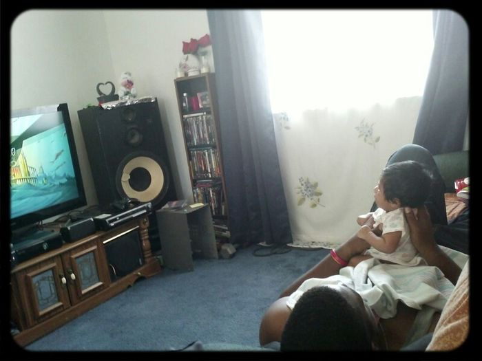 Lol watching Pocahontas (throwback).. Jenabugs is focused